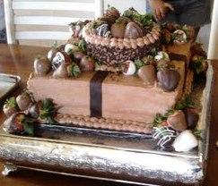 Noriega Oswald engagement cake2
